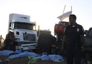 На автошоу в Чиуауа под колесами гигантского грузовика погибли шесть человек