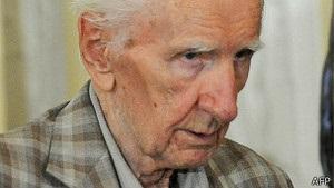 В Угорщині 98-річного Чатарі звинуватили в злочинах нацизму