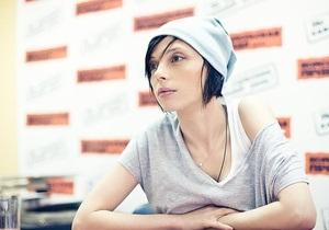 Українській письменниці Ірені Карпі відмовили у видачі візи
