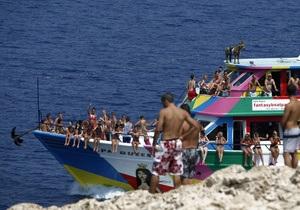Кіпр - проблеми Кіпру - Кіпр офіційно відкрив туристичний сезон