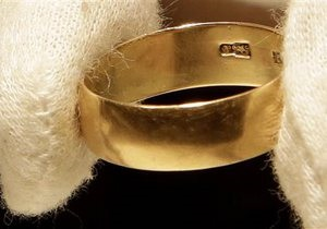 Обручальное кольцо убийцы президента Кеннеди продали за $108 тысяч