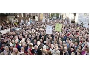В Ирландии пенсионеры протестуют против сокращения пособий