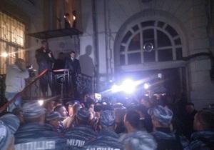 Соратники Маркова пытались штурмовать здание МВД в Одессе, его жена перекрыла выезд из МВД джипом