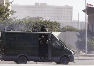 В Египте полицейских арестовали по обвинению в массовом убийстве исламистов