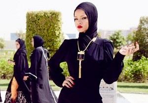 Рианну выгнали из мечети за  откровенную  фотосессию