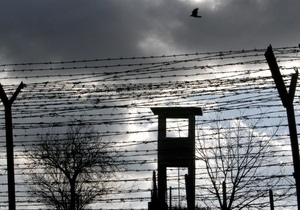 Во Львове сотрудник колонии требовал от заключенного наркодилера 19 тысяч гривен - СМИ