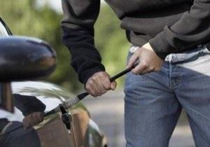 новости Киева - В Киеве задержаны двое мужчин, которые буксировали похищенный автомобиль