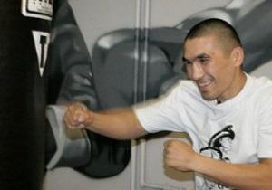 Известного боксера избили в Узбекистане битой после тренировки