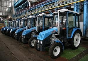 Крупнейший в Украине производитель тракторов грозит остановить работу из-за проблем российских партнеров на таможне