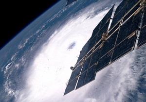 Ось Земли наклонилась из-за серии космических столкновений