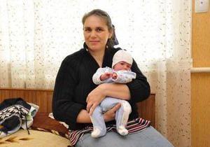 новости Черновицкой области - дети - мать - роды - мать-героиня - рекорд - Блэк джек. В Черновицкой области женщина родила рекордное в Украине число детей