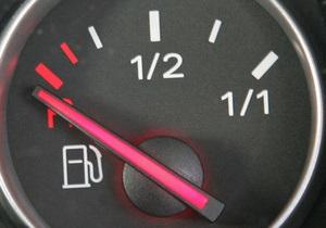 В Украине почти в два раза упало производство бензина