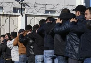 Облавы на мигрантов в Москве: за ночь задержаны порядка двух тысяч человек