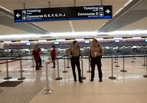 США - Аэропорт Майами был эвакуирован из-за угрозы взрыва
