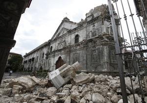 Филиппины сотрясло второе за сутки землетрясение, число жертв достигло 85 человек