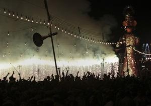 Число жертв давки у индийского храма превысило 100 человек