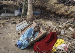 Тропическая депрессия в Индии угрожает наводнением обширным территориям - ураган файлин
