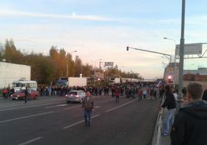 Участники беспорядков в Москве прорвались на овощебазу: к месту событий выдвигаются футбольные фанаты