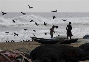 На Индию обрушился ураган, сообщается о первых погибших