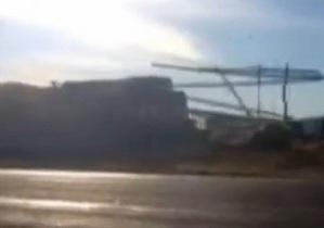 США: столкновение поезда с грузовиком
