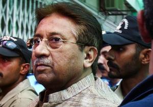 В Пакистане суд продлил арест экс-президенту Мушаррафу еще на две недели