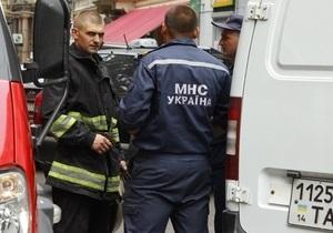 Поиски ребенка, провалившегося в канализационный коллектор во Львове, пока безуспешны