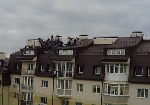В Киеве полтора часа не могли потушить пожар в многоэтажке