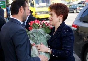 Людмила Янукович - новости Донецка - Супруга Януковича в свой день рождения посетила конкурс красоты