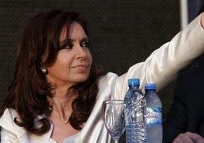 Операция - Президент Аргентины перенесла операцию по удалению внутричерепной гематомы