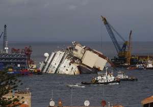Costa Concordia - На борту поднятого со дна лайнера Costa Concordia обнаружили тело одного из погибших