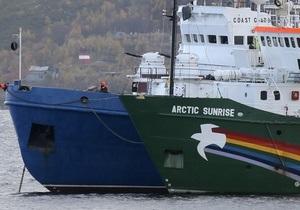 Гринпис: судно Арктик Санрайз может затонуть