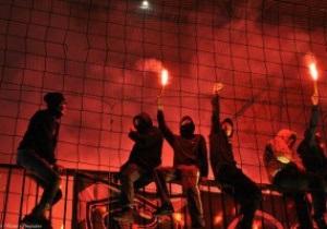 МВД: Фанаты Днепра пронесли файеры на стадион в интимных местах