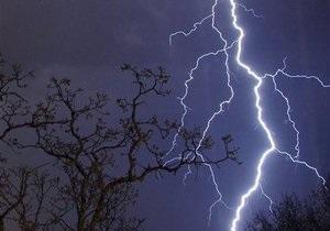 Молния - В Индии от ударов молний погибли 32 человека