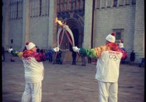 Олимпийский факел погас в Кремле во время эстафеты