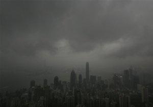 Тайфун Фитоу - Япония: Тайфун Фитоу приближается к Японии. Аэропорт Окинавы отменил все рейсы