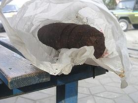 новости Николаева - боеприпасы - бомба - В Николаеве на трамвайной остановке дворник обнаружил снаряд времен Второй мировой