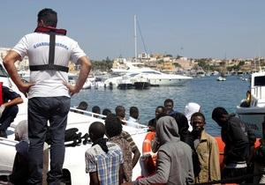 Число жертв крушения корабля с беженцами у итальянского острова Лампедуза превысило 80
