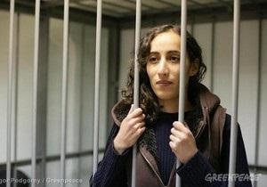 Для предъявления обвинения в Следственный комитет привезли еще 17 активистов Greenpeace