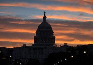 Кризис в США - СМИ: Самоуничтожение демократии в США