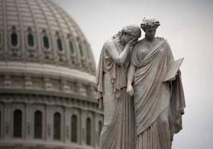 Бюджетный кризис в США: Обама отменяет визиты, ветераны Второй мировой войны  штурмуют  закрытый мемориал в Вашингтоне