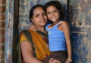 Индия: легко ли родить чужого ребенка? - Би-би-си
