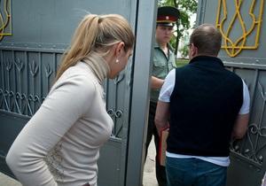 За два года в тюрьме Тимошенко получила четыре тонны продуктов