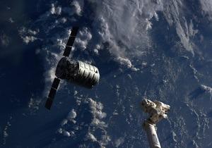 Фотогалерея: Космические выходные. Стыковка Cygnus с МКС, запуски Falcon и Протона