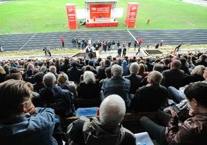Симоненко - КПУ - Таможенный союз - Выступление Симоненко на собрании по поводу проведения референдума пытаются заглушить музыкой - СМИ
