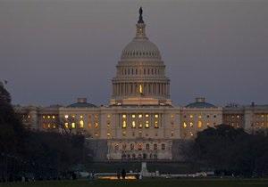 Госаппарату США грозит безработица из-за споров о бюджете
