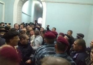 новости Полтавы - митинг - протесты - Александр Мамай - Участники полтавского штурма хотят разбить палаточный городок, к мэрии стягивают Беркут