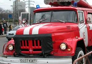 Новости Николавева - автомобиль - пожар - возгорание - семья - В Николаеве из горящего автомобиля на ходу выскочила семья с 6-летним ребенком