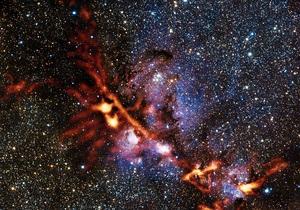 Новости науки - новости космоса: Телескоп APEX сфотографировал туманность Кошачья лапа