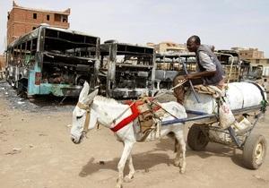 Беспорядки из-за отмены госсубсидий на топливо в Судане: Погибли более 100 человек