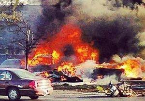 В США легкомоторный самолет упал на парковку перед банком